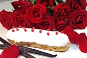 Vanilla Rose Eclair - Cavallaros
