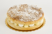 Beesting Cake - Cavallaros